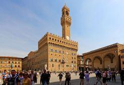 Piazza della Signoria, Palazzo Vecchio