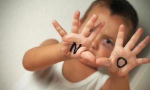 Un-bambino-su-100-e-vittima-di-maltrattamenti_h_partb