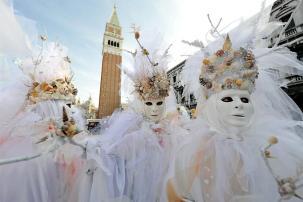 02aa-carnival-2011-07-03-11-carnevale-di-venezia-piazza-san-marco-venezia-venezia-province-veneto-region-it