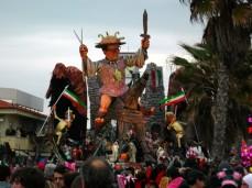 2007_Viareggio_Carnival_01