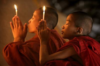 bagan-monks-c-awfulsara-565