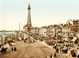 The_promenade,_Blackpool,_Lancashire,_England,_ca._1898
