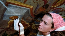The restoration of antiques, a difficult procedure that requires high capacity.