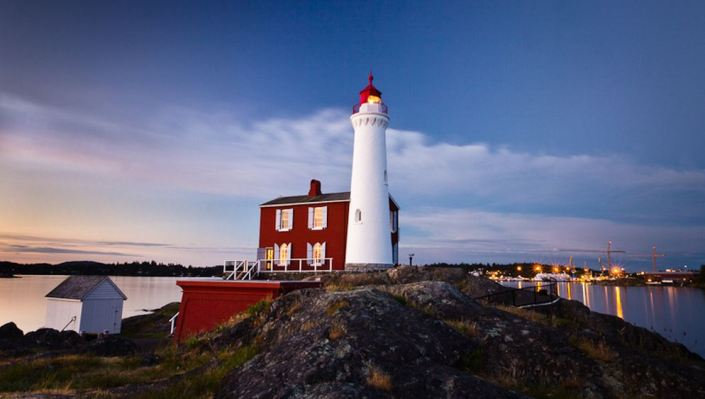 Fisgard-Lighthouse-NIGHT