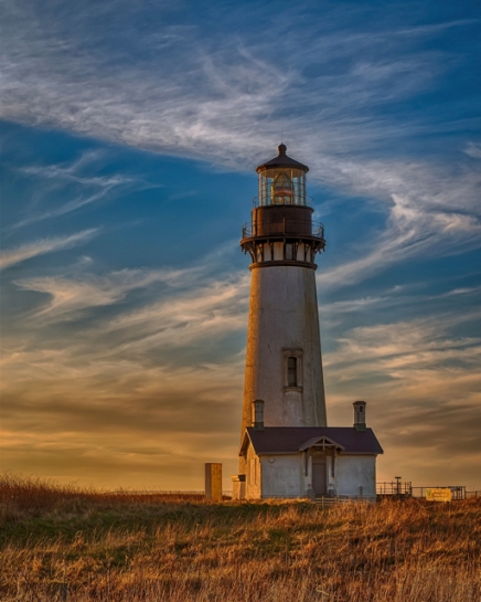 yaquina-head-lighthouse-derek-helt