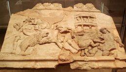 400px-Milano_-_Antiquarium_-_Terracotta_con_venatio,_sec._I_-_Foto_Giovanni_Dall'Orto_-_14-July-2007_-_1