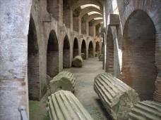 pozzuoli-Sotterranei-Anfiteatro-Flavio