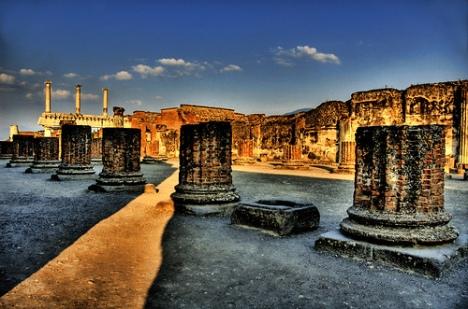 pompeii-naples
